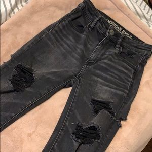 Black American Eagle Distressed Skinny